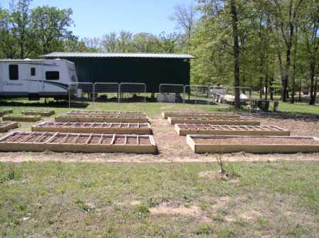 Jay Birds Tomato Greenhouse 4-8_sf12