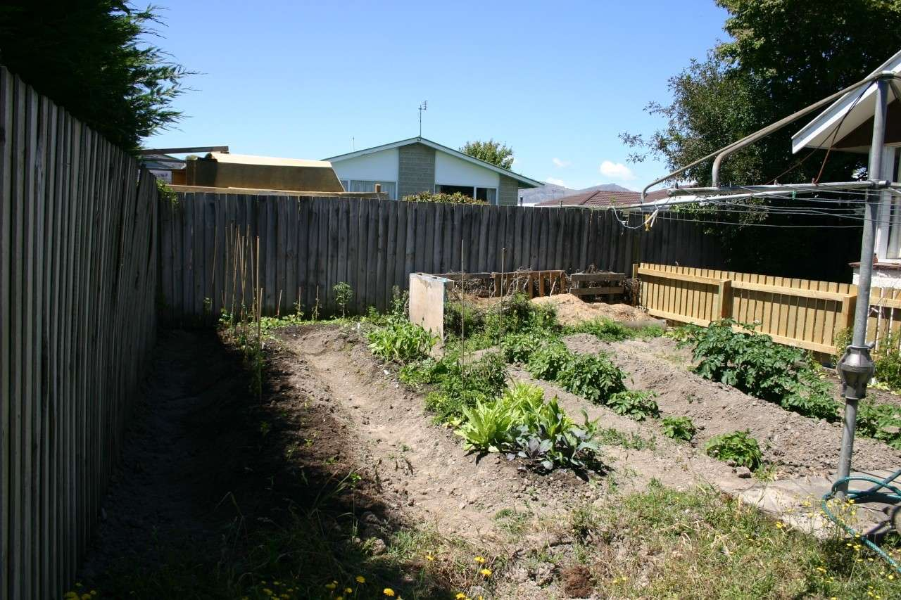 A New Zealand square foot garden Img_9910