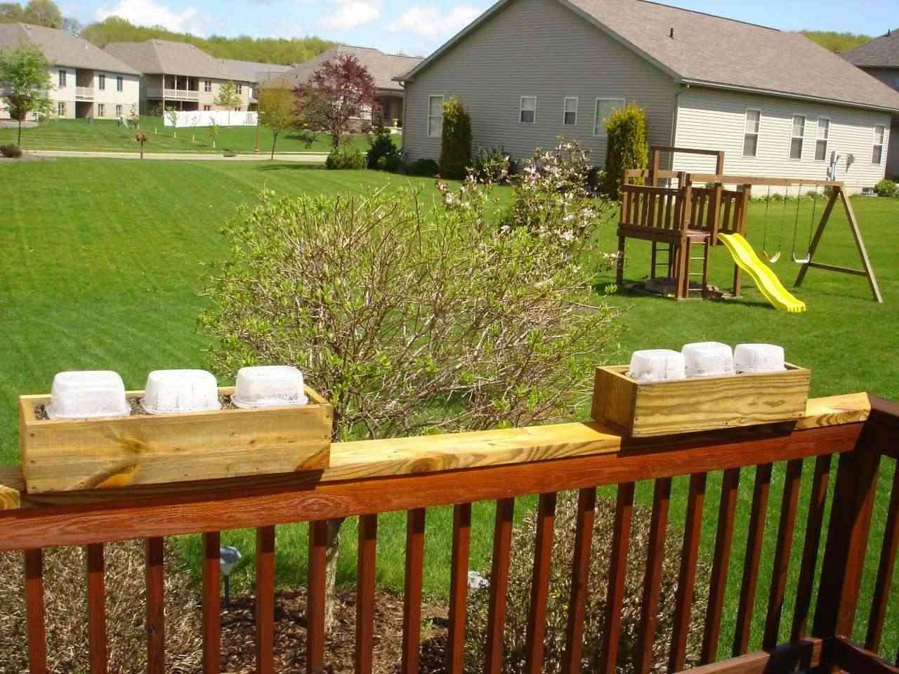 Railing Boxes and Mini-Greenhouses Dsc02511