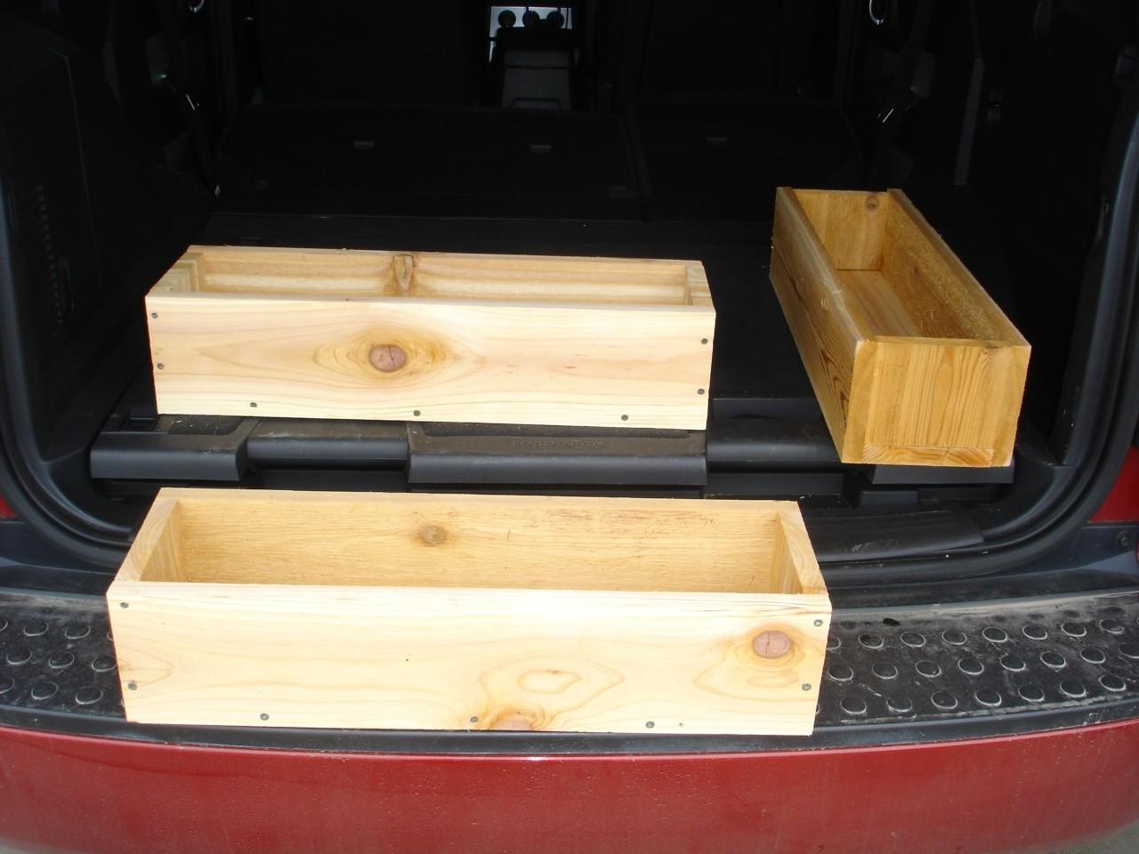 The Beauty of Cedar Planter Boxes Dsc02514