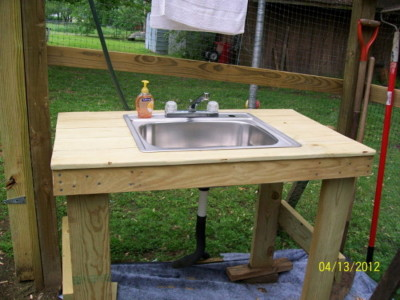 Garden sink that hooks up to your garden hose Sink10